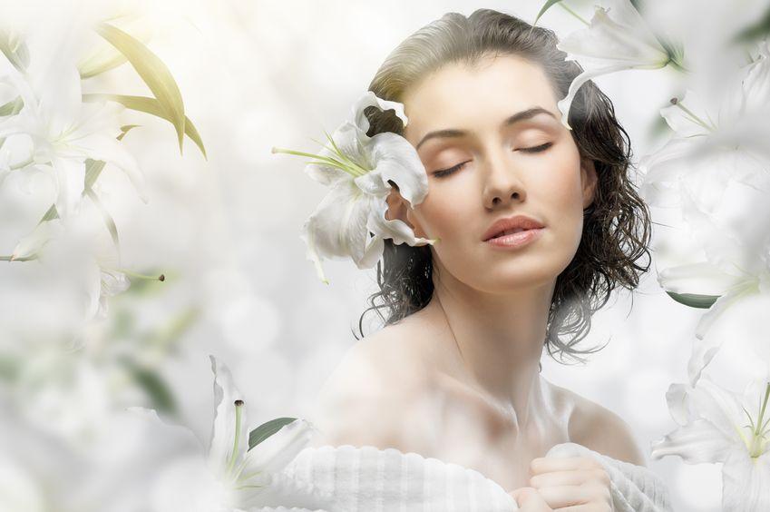 foto-portada-mujer-flores-cara-8916206_m-849x564